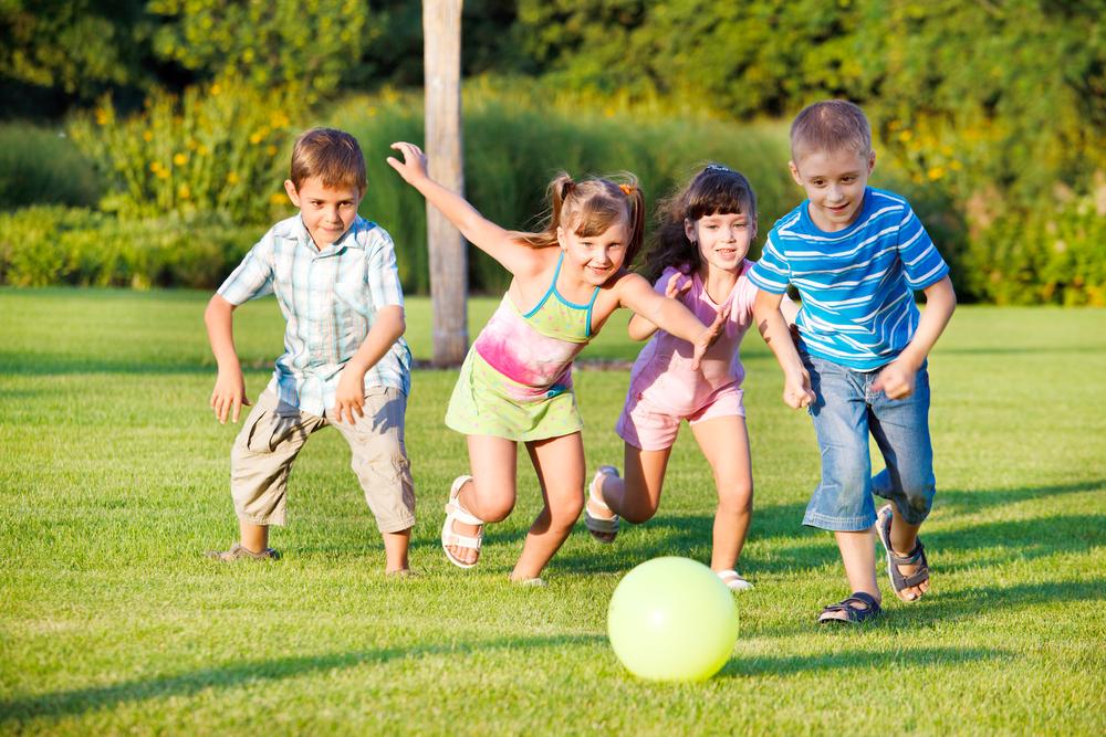 Детские игры во дворе: 10 идей